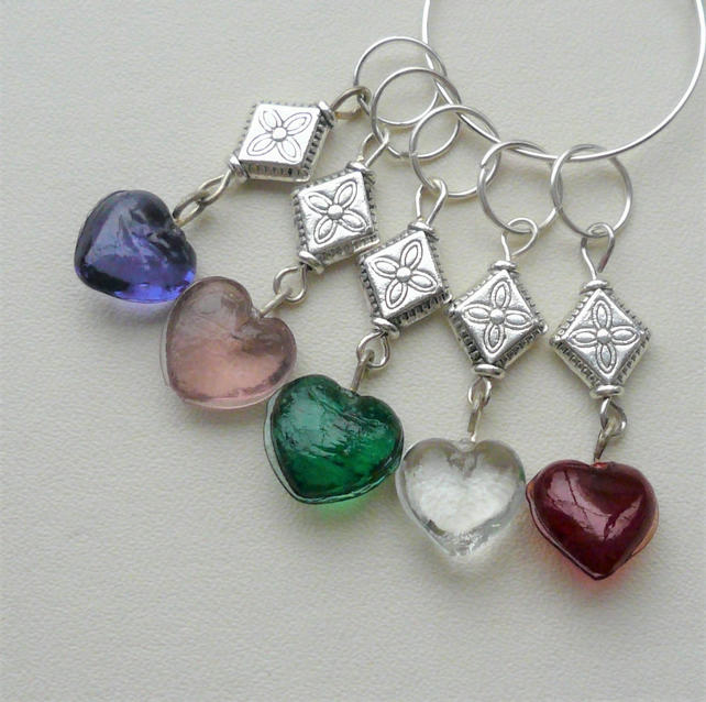 Knitting Stitch Markers Glass Heart Tibetan Silver Set of 5  KCJ2054