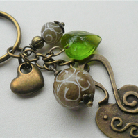 Carved Agate Green Glass Heart Keyring Bag Charm Antique Bronze KCJ3648