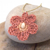 Crochet flower necklace - Erin