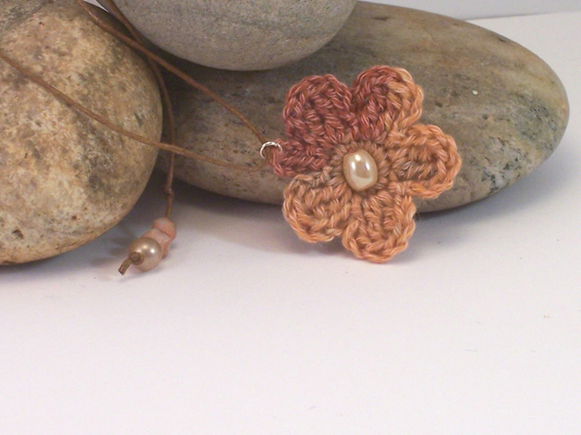 Crochet flower necklace with glass beads - Raisa