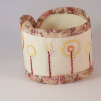 Hand embroidered fabric cuff - Hollow