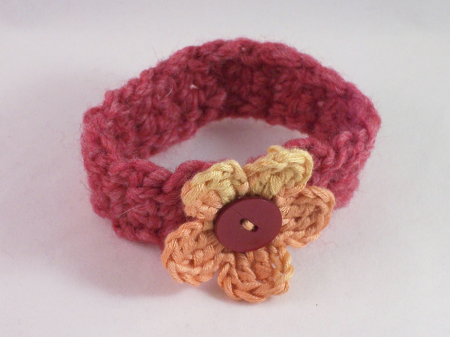 Crochet cuff with crochet flower - Rosalyn
