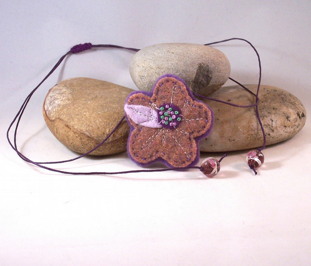 Hand felted and embroidered cashmere flower necklace - Ayako