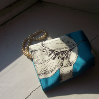 Textile cosmetic bag in teal and white - Lily