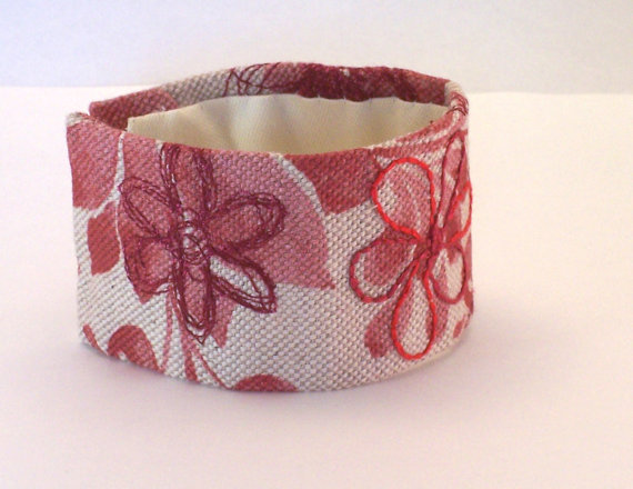 Printed linen cuff with hand embroidery - Angelica