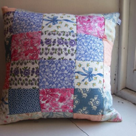 Patchwork cushion cover in vintage Laura Ashley fabric - Happiness