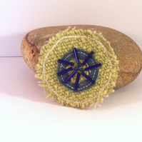 Round fabric brooch in soft lime and blue - Byron