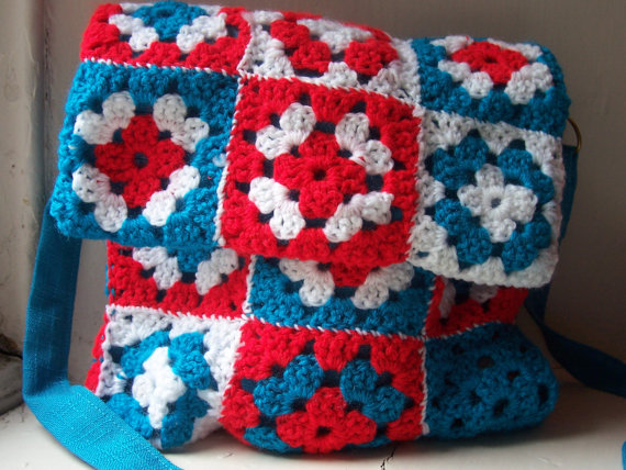 Crochet Granny Square messenger bag - Annie