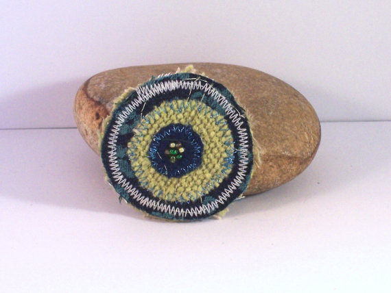 Round fabric brooch with beads - Shelley