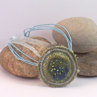 Circular fabric embroidered necklace - Athena
