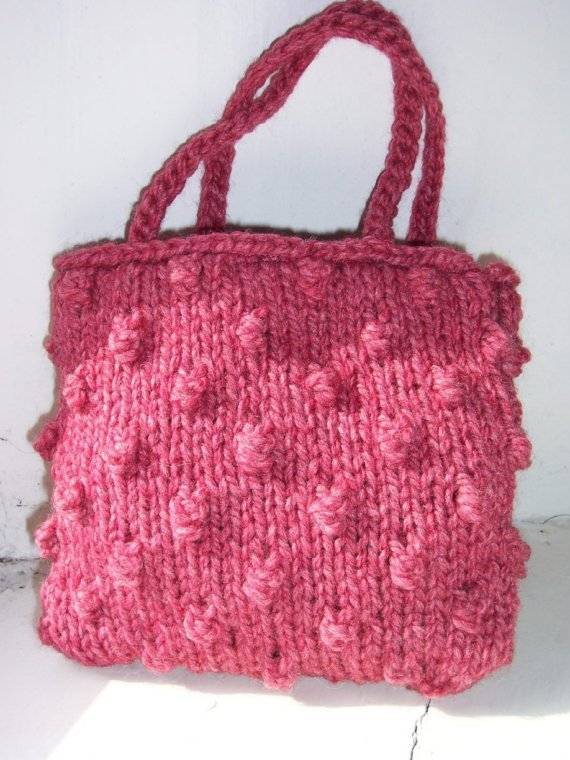 Small hand knitted bag in pink - Raspberry