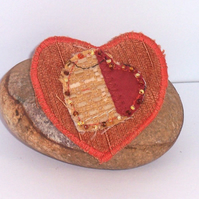 Heart shaped fabric brooch - Rossetti