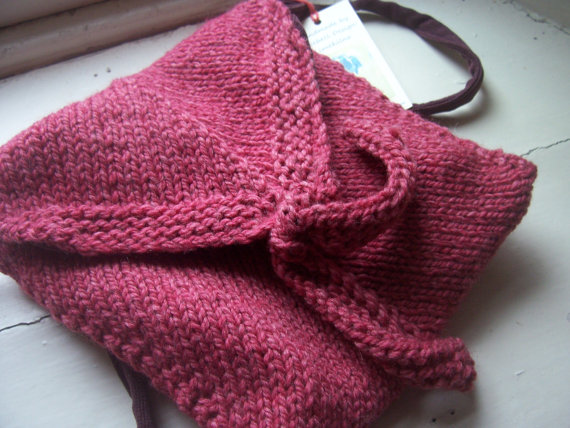 Hand knitted shoulder bag - Twist