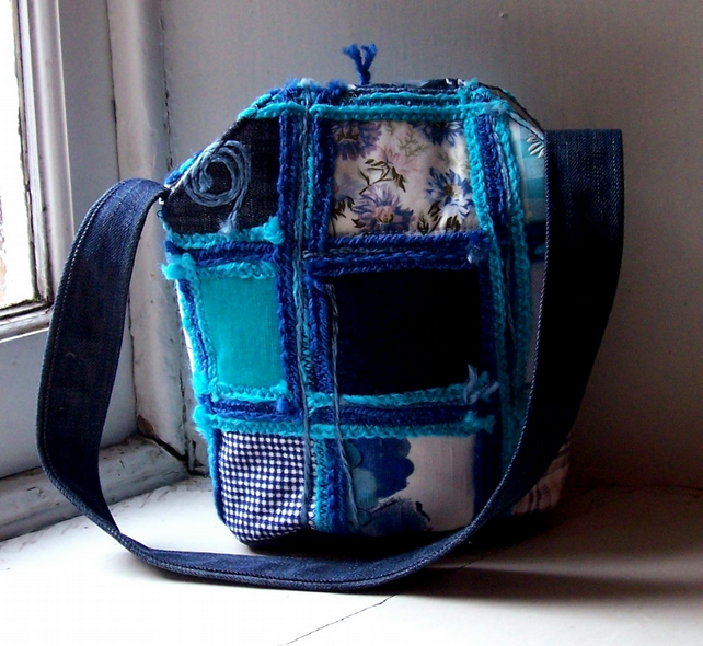 Textile handbag, patchwork and applique, in blue and turquoise - Skye