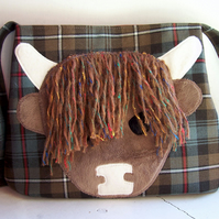 Wool tartan shoulder bag with highland cow applique - Primrose
