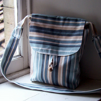 Squishy fabric messenger bag in beachy colours- Morar