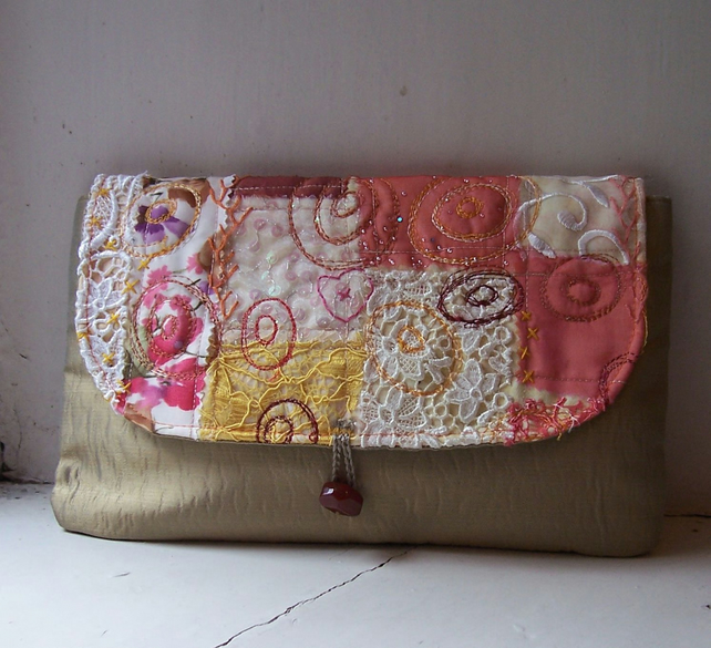 Clutch bag with appliqued and embroidered detail - Lismore