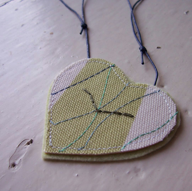 Ocean bird, heart shaped, hand and machine embroidered necklace - Fulmar