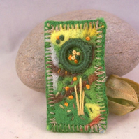 Hand embroidered needlefelt brooch - Pasture