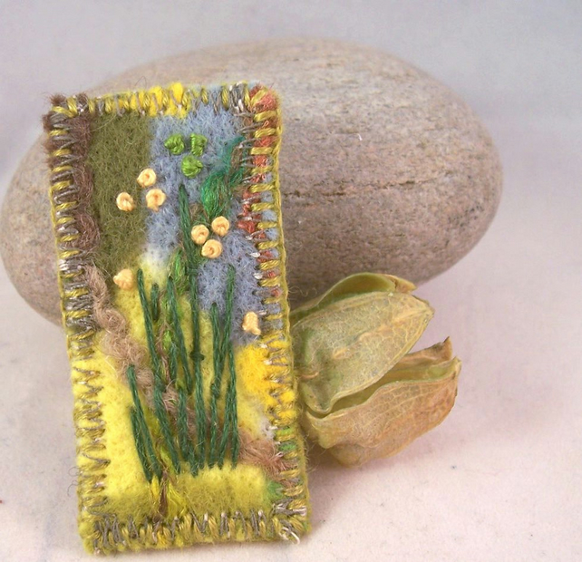 Hand embroidered needlefelt brooch - Yellow
