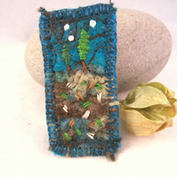 Hand embroidered needlefelt brooch with trees - Cypress