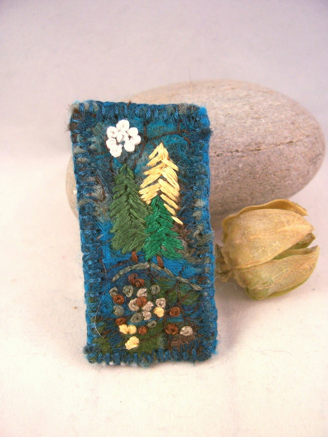 Needlefelted and hand embroidered brooch with trees - Forest