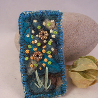 Needle felted and hand embroidered brooch - Flower