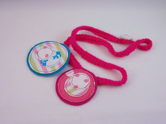 Fabric and crochet necklace in pink and blue - Smile