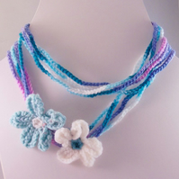 Crochet multi strand yarn necklace with flowers - Shallows