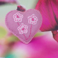 Hand stitched felt heart shaped brooch with embroidery - Bouquet