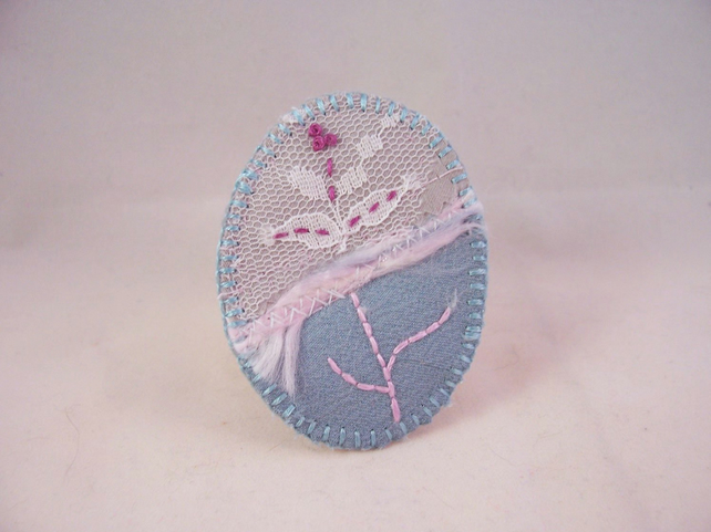 Hand embroidered fabric brooch - Sophie
