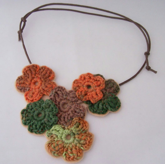 Crochet flower necklace in brown and green - September
