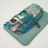 Clutch bag in teal linen, with patchwork flap and button fastening - Anastasia