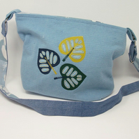 Fabric shoulder bag in soft blue with leaf applique - Begonia