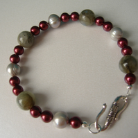 Labradorite, Shell & Cultured Pearl Bracelet  - Handmade - Genuine Gemstone