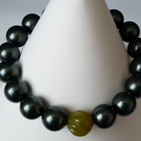 Forest Green Shell & Lime Green Chinese Jade Bracelet - Stretchy - Handmade