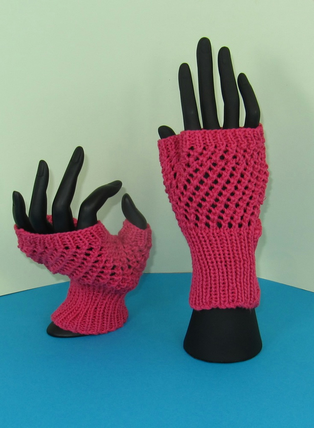 Easy Lace Fingerless Gloves Knitting Pattern - Folksy