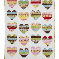 Candy Hearts Patchwork Quilt come Cushion