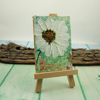 Miniature Acrylic Daisy Flower Painting with Easel. ACEO Collectors Art