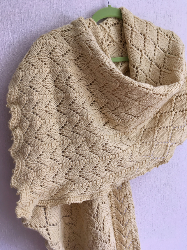 Handknitted Soft Yellow Wool Horseshoe & Diamond Lace shawl