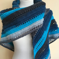 Into the Blue textured crochet triangle scarf