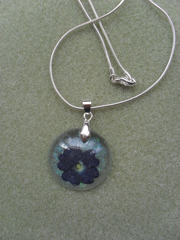SALE Verbena Flower Resin Pendant RE20