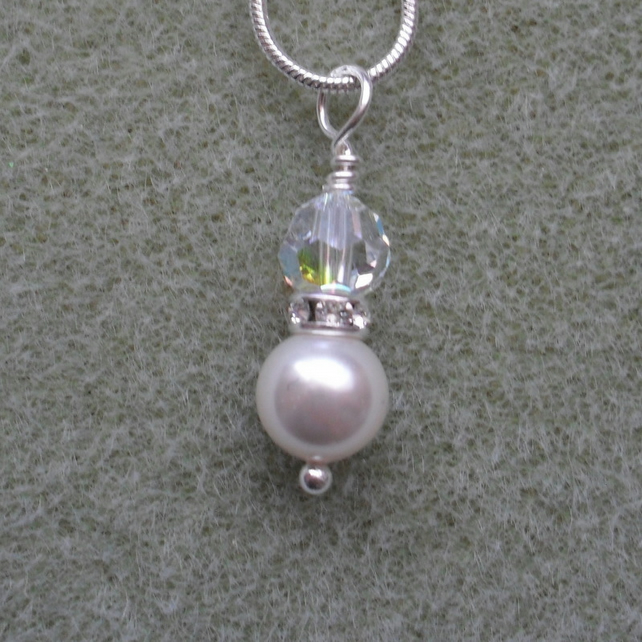 Pearl and Crystal Drop with Pearl and Crystal From Swarovski