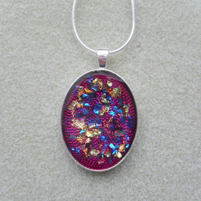 Violet Resin Pendant RE010
