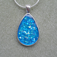 Blue Glitter Drop Pendant With Blue Resin RE020
