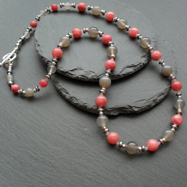 Rhodocrhosite, Haematite and Agate Necklace Strawberry pink and Grey