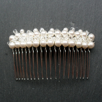 White Bridal Hair Comb With Pearls and Crystals From Swarovski