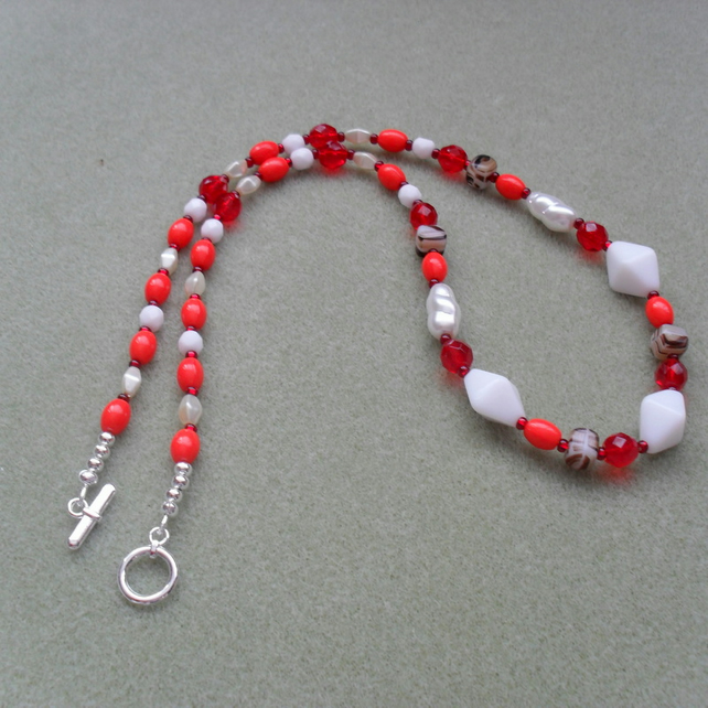 Red and White Czech Glass Necklace Christmas Colours