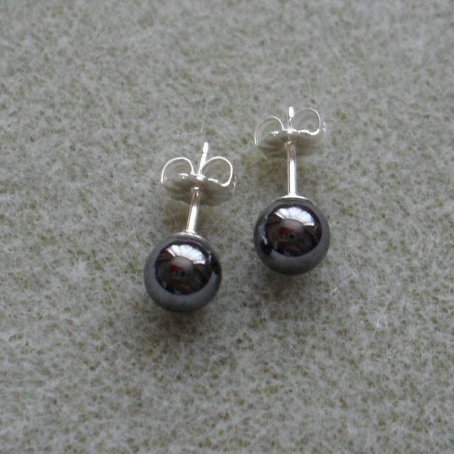 Haematite 6 mm Stud Earrings Sterling Silver