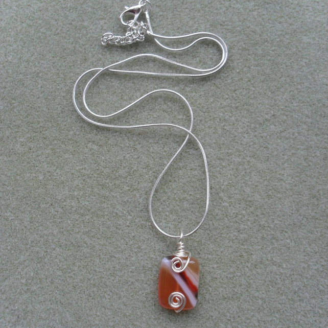 Small Agate Wire Wrapped Pendant Silver Plated Chain